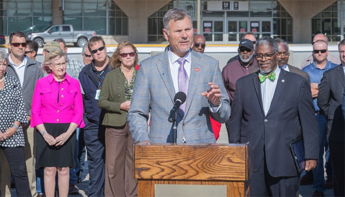 Burns & McDonnell Chairman and CEO, Ray Kowalik, joined Kansas City, Missouri Mayor Sly James to announce a proposal to design and build a new one-terminal airport at KCI and lead a team of private investors to finance the project.