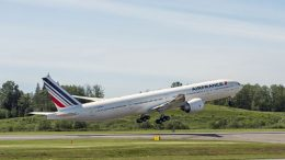 boeing-et-air-france-celebrent-la-livraison-du-70e-boeing-777-de-la-compagnie-aeromorning.com