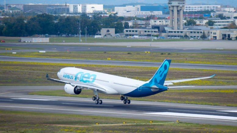 landing-a330neo-first-flight