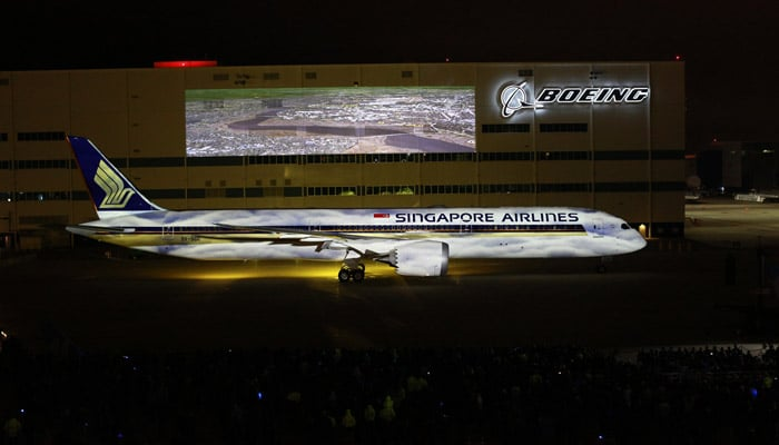 singapore-airlines-first-787-10-boeing