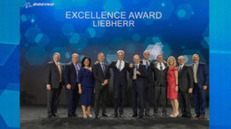 liebherr-boeing-excellence-award-on-stage-may2019