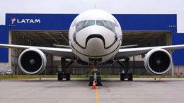 L'avion Stormtrooper de LATAM débarque au Brésil