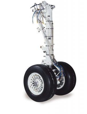 Liebherr-Aerospace a été sélectionné par Austral Líneas Aereas pour la révision des trains d'atterrissage de sa flotte d'Embraer E-Jet E190. Il s'agit du premier gros contrat de Liebherr en Argentine. Les activités de révision ont déjà commencé en juillet 2020 et sont réalisées par le service clients de Liebherr-Aerospace à Saline dans le Michigan (États-Unis).