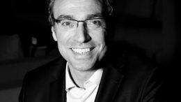 Julien Houdebine est nommé Directeur commercial et marketing