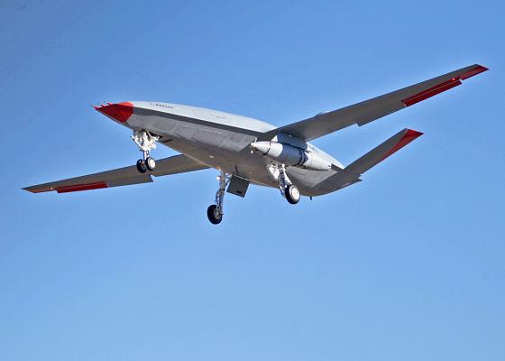 Liebherr sélectionné pour équiper le drone ravitailleurMQ-25 de Boeing pour l'US Navy